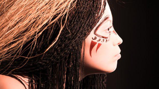Trucos de mujeres – Cánones de belleza y maquillaje en diferentes rincones del mundo