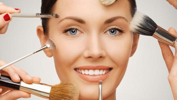 Brochas de maquillaje: ¿Cuántas necesitas realmente?